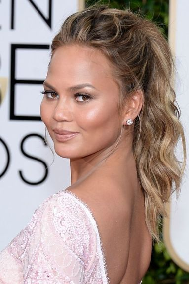 golden-globes-best-beauty-2015-chrissy-teigen-w540-1